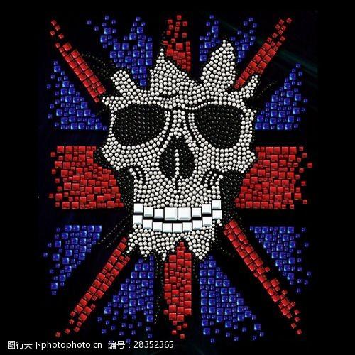 烫钻骷髅旗帜条纹灵异免费素材